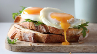 Fried eggs on toast by Malou Burger